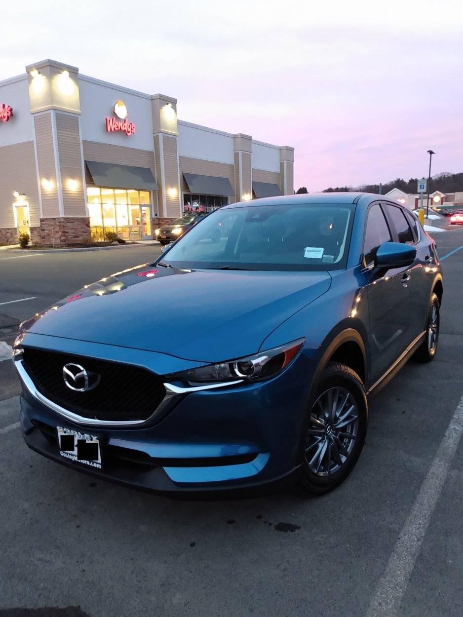 2017 Mazda CX-5 Touring.jpg