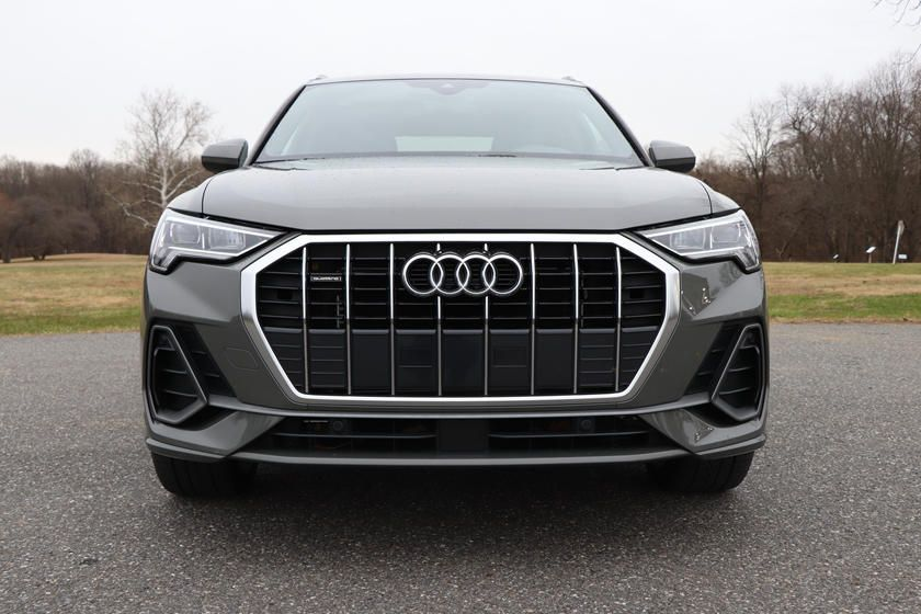 2020-audi-q3-front-angle-view-carbuzz-654812.jpg