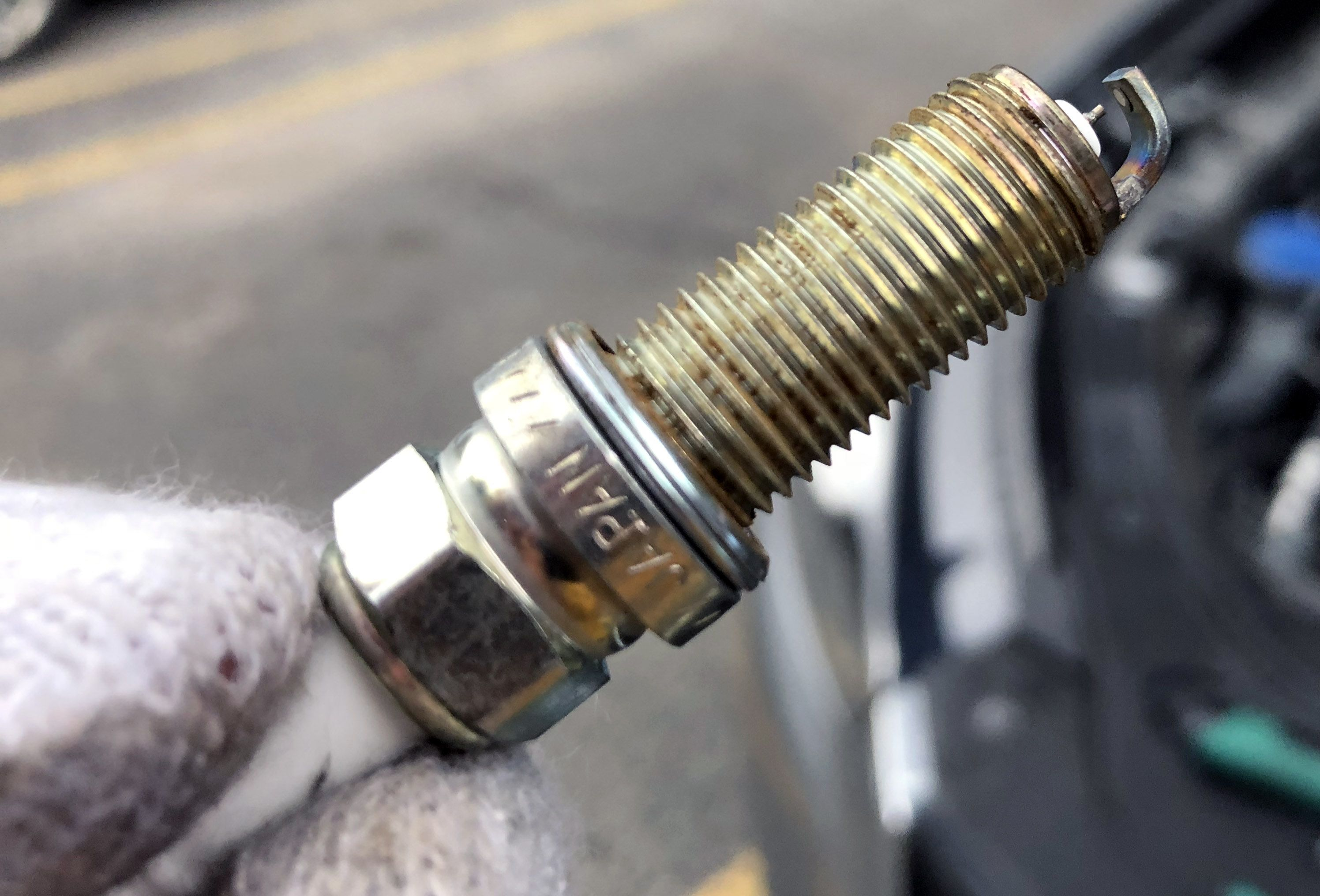 2005 mpv spark plug replacement